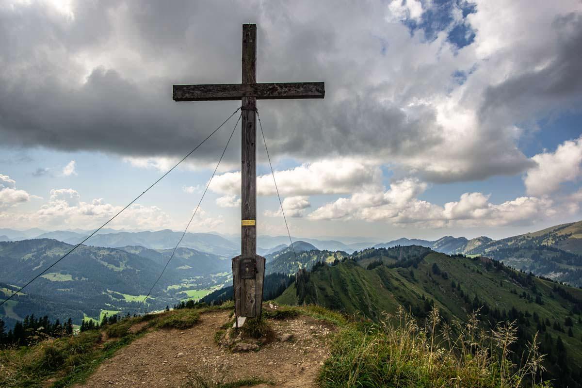 Das Gipfelkreuz am Siplinger Kopf