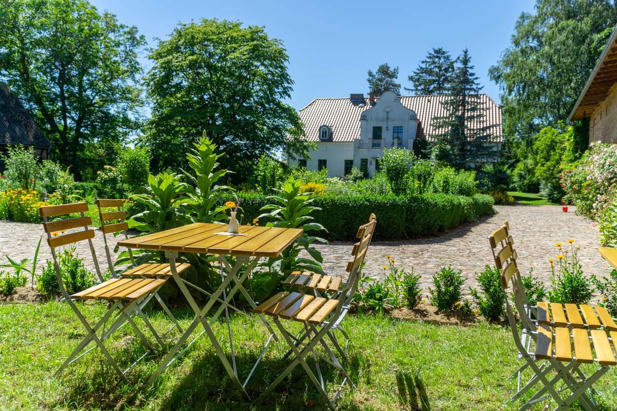 Garten vom Cafe Oblomow in Bugewitz
