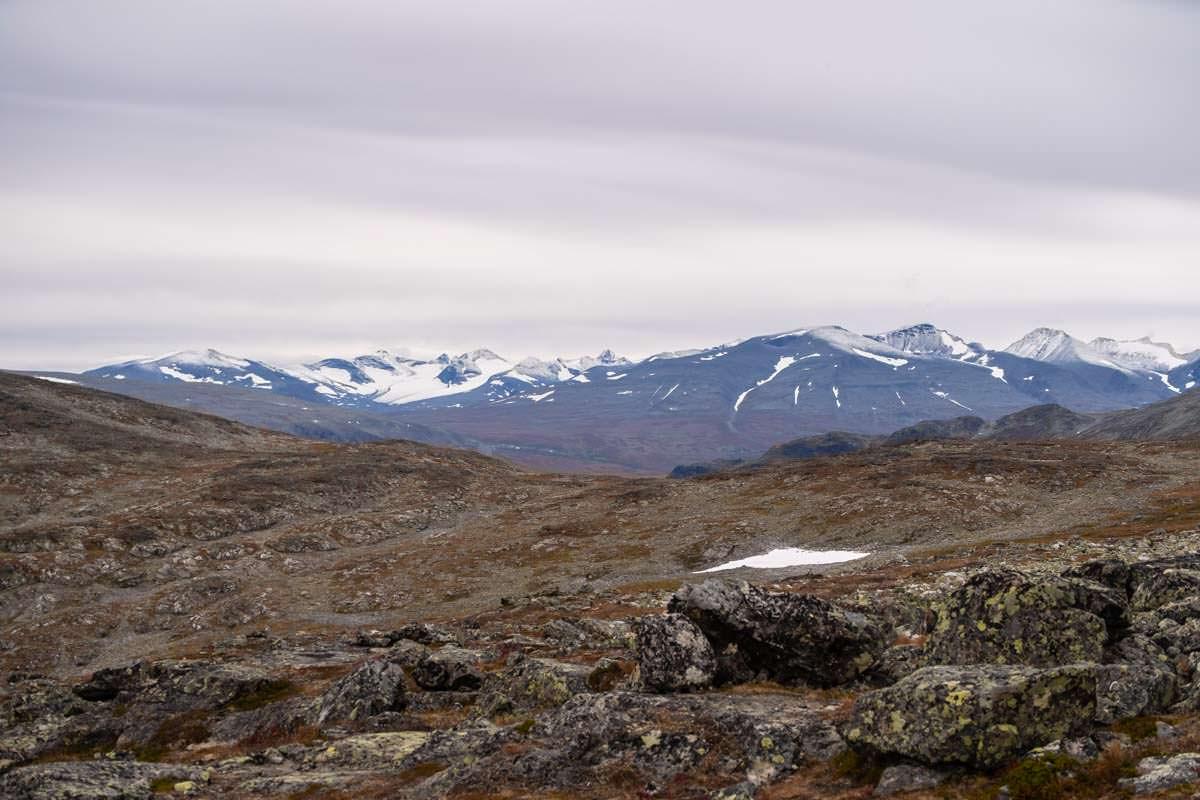 Wanderung auf den Gipfel des Skierffe