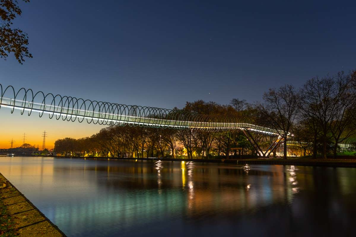 Slinky Springs to Fame Brücke in Oberhausen