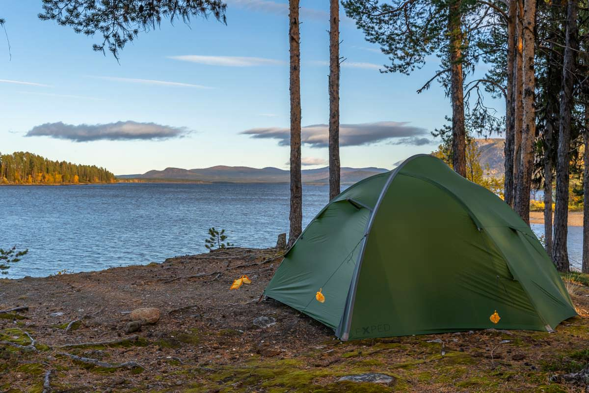 Camping mit Zelt auf dem Campingplatz Årrenjarka